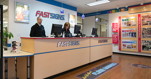 An IFPG Consultant And The FASTSIGNS Team Worked Together To Award A Franchise!