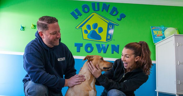 An IFPG Consultant's Candidates Are Awarded A Hounds Town USA Franchise in Ohio!