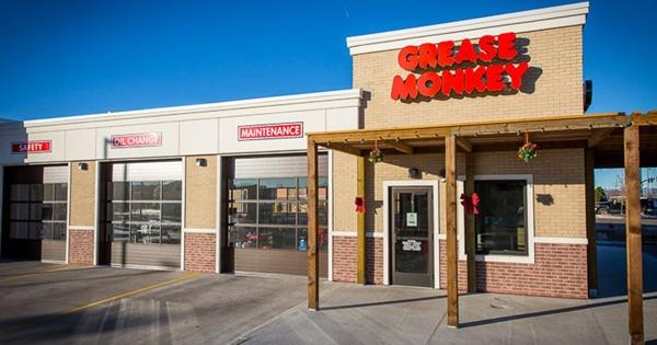 An IFPG Consultant's Candidate Opens a Grease Monkey Franchise in Denver!