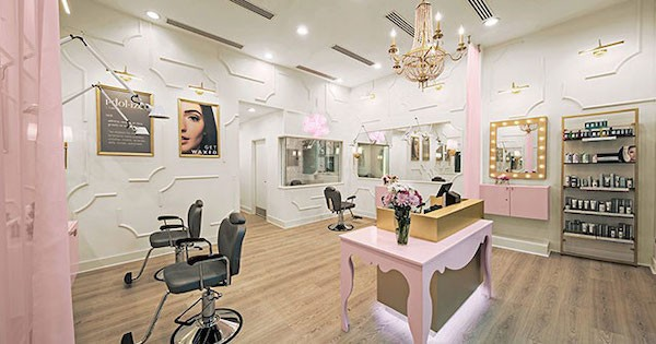 Idolize Brows and Beauty Franchise Closes a Deal with an IFPG Consultant!